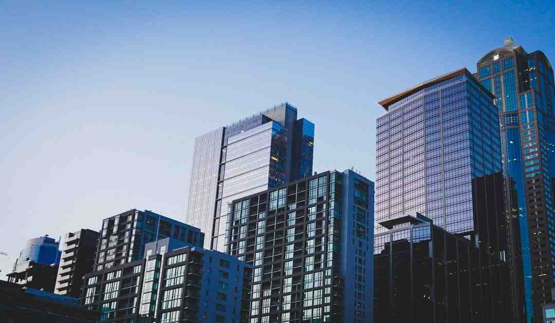 How to get real estate job